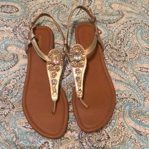 Going out shoes ( sandals )